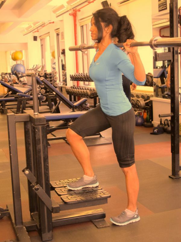 Back-Barbell-Step-Up-Mid-Height-step-3-running-strength-training-New-York-City-personal-training