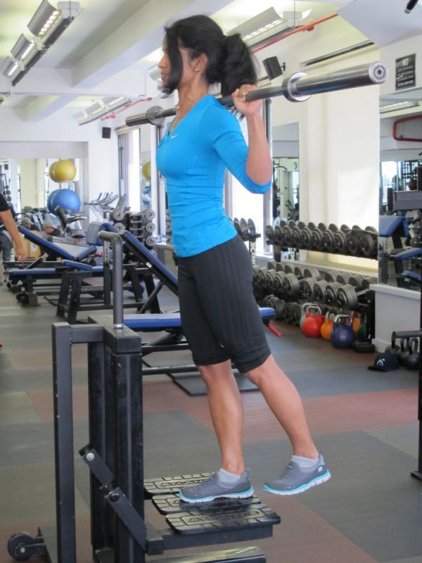 Back-Barbell-Step-Up-Mid-Height-step-2-running-strength-training-New-York-City-personal-training